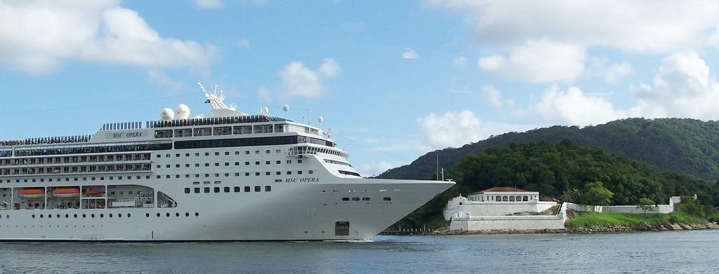 navio de cruzeiro MSC Opera
