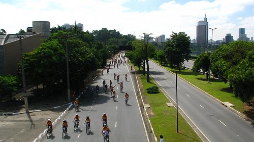 Vivendo e aprendendo: A moda é andar de bicicleta!