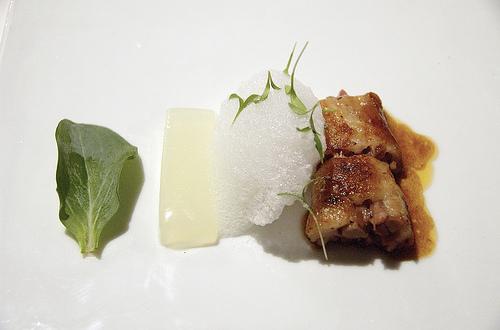 Rabo de cordero a la cantonesa, com espuma de iogurti, no El Bulli
