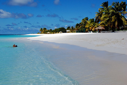 Shoal Bay, em Anguilla. Foto: redshifter, Flickr