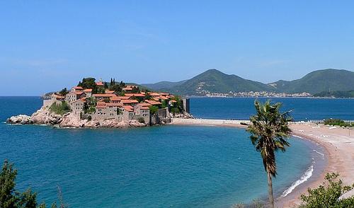A desconhecida praia Sveti Stefan, em Montenegro. Foto: pellaea, Flickr