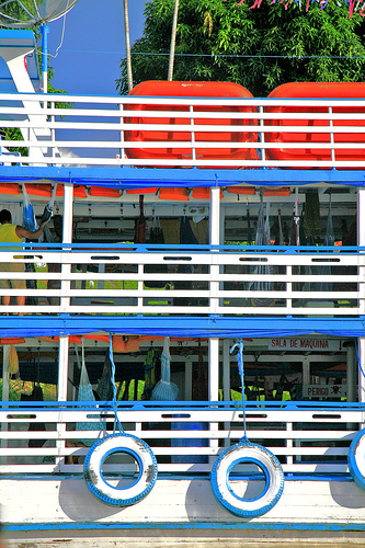Hotel/barco em Parintins. Foto:Mestro chi, Flickr