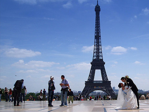 Quer ir para Paris?! Essa pode ser a chance! Foto: envisionpublicidad, Flickr
