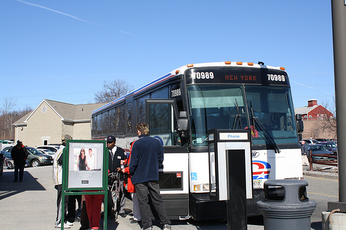 Onibus direto para o Outlet Woodbury. Foto: aveira, Flickr