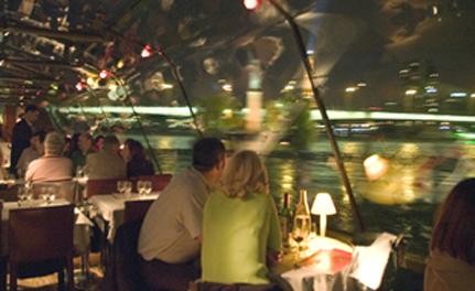 bateau-mouche Paris