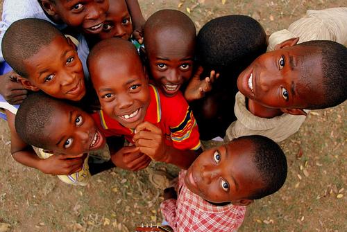 Vivendo e aprendendo: Como ajudar o HAITI