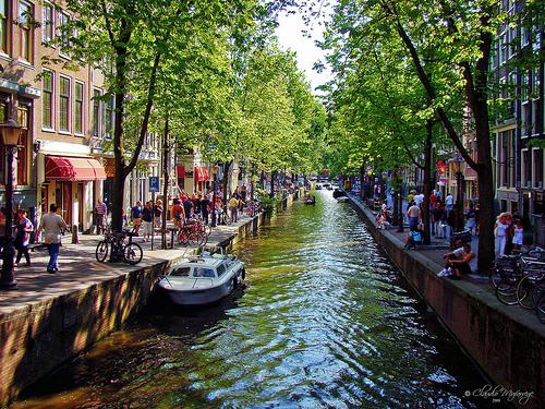 Canais em Amsterdam