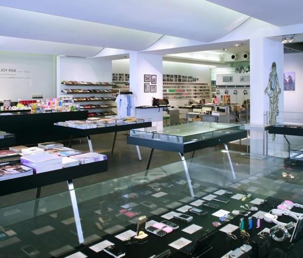 Interior da loja Colette em Paris