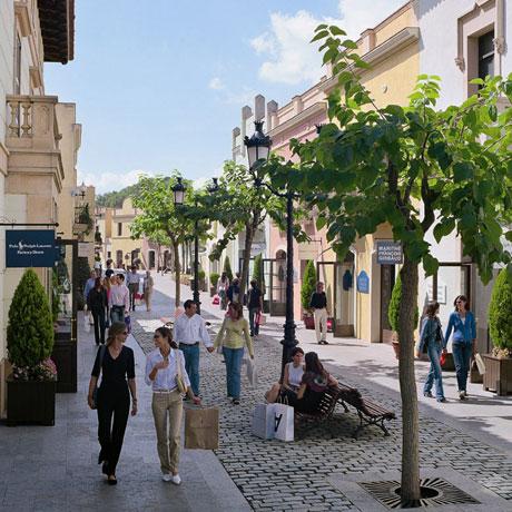 Vivendo e aprendendo: Barcelona também tem outlet! E dos bons!